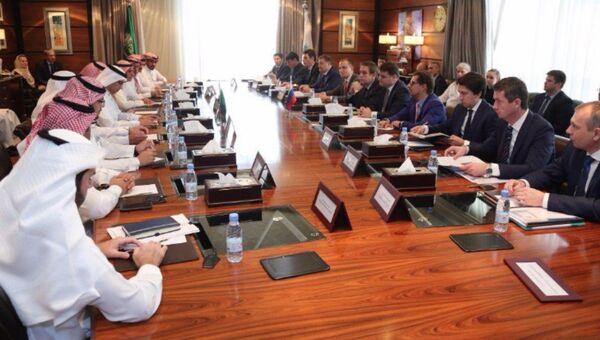 Российская делегация во время переговоров в Эр-Рияде. Архивное фото