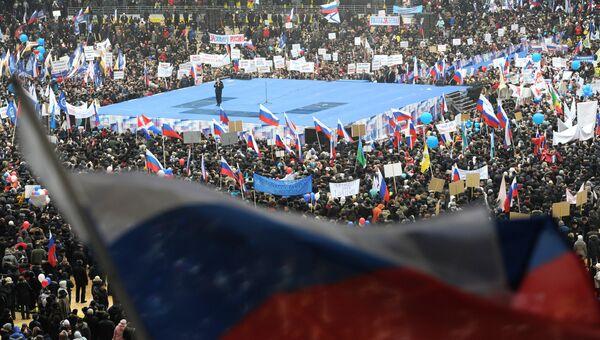 Премьер-министр РФ Владимир Путин выступает на митинге Защитим страну! в спорткомплексе Лужники