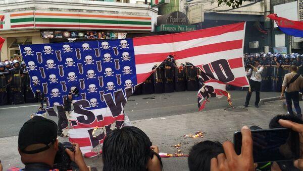 Акция протеста против визита президента США Дональда Трампа в Маниле, Филиппины. 12 ноября 2017