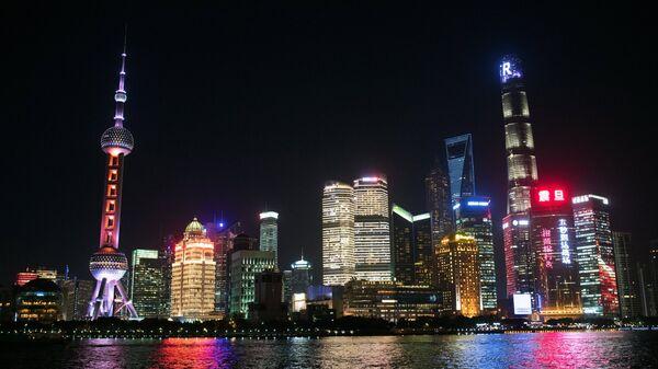 Район Пудун в Шанхае. Слева - телебашня Восточная жемчужина