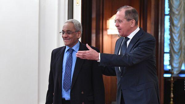 Сергей Лавров и министр иностранных дел Республики Маврикий Ситанах Лачминараиду во время встречи. 14 ноября 2017