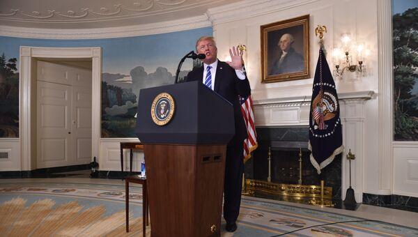 Президент США Дональд Трамп на пресс-конференции в Белом доме. 15 ноября 2017