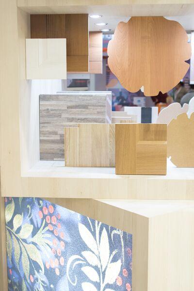 При оформлении российской экспозиции использовались современные высокотехнологичные материалы из древесины