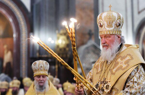 Патриарх Московский и всея Руси Кирилл проводит литургию в храме Христа Спасителя в день своего рождения. 20 ноября 2017