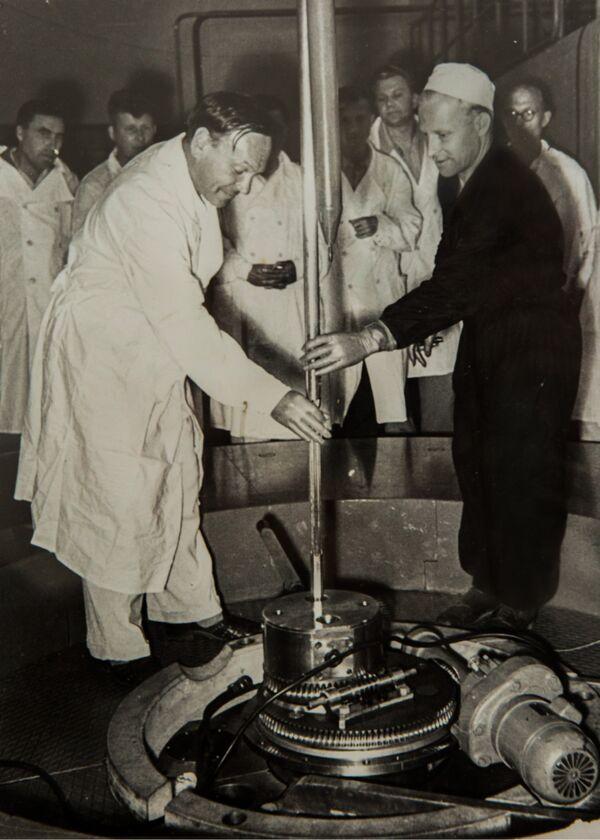 Первый пуск ядерного реактора ИРТ-2000 в МИФИ