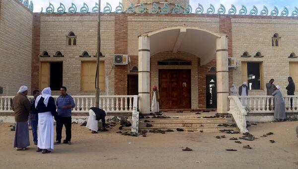 Мечеть эр-Роуда неподалеку от города Эль-Ариш, где произошел теракт. 25 ноября 2017