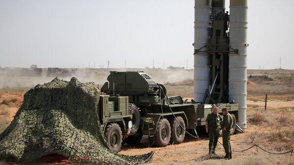 Зенитная ракетная система С-400 Триумф на полигоне