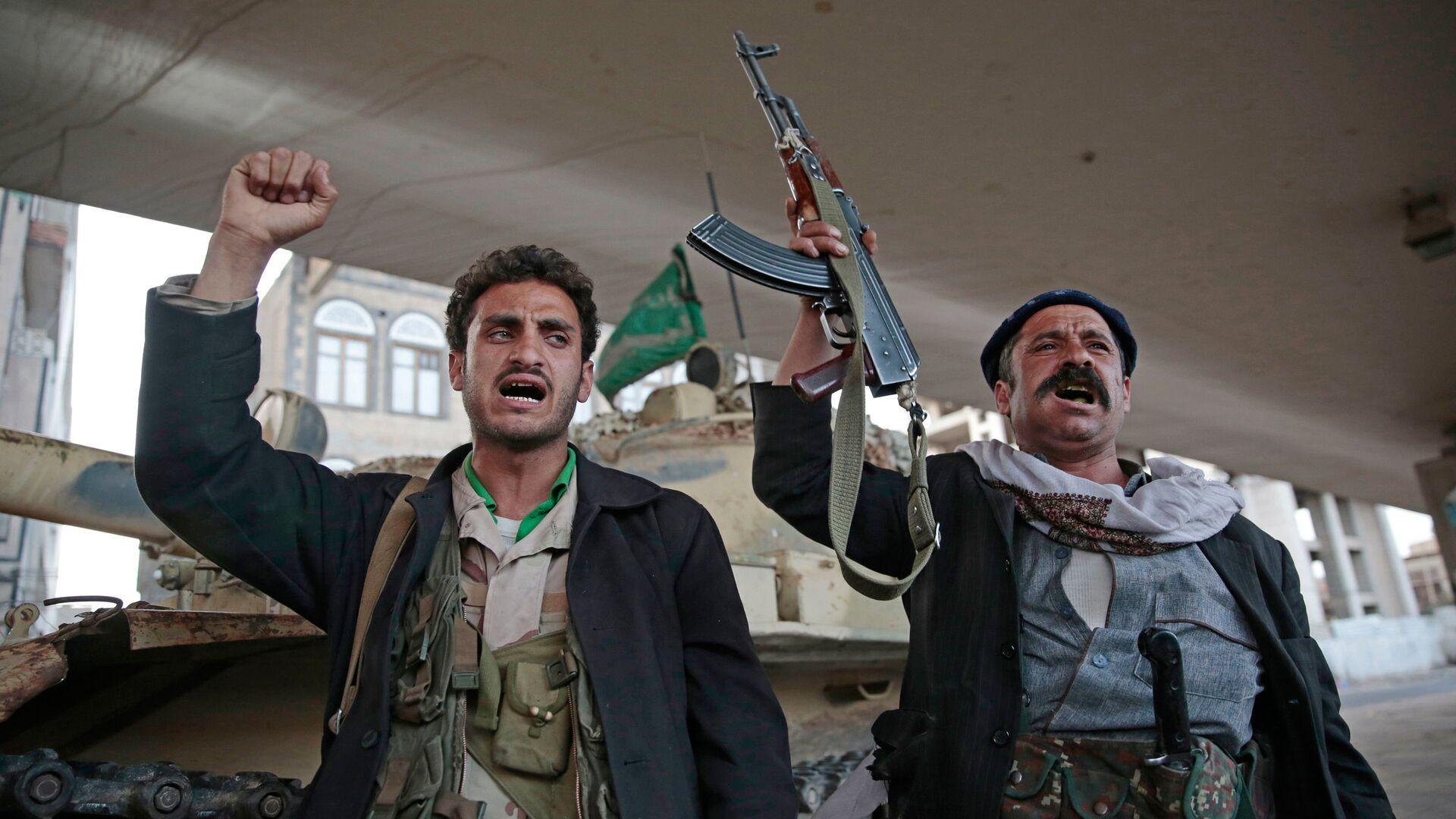 Боевики-хуситы в столице Йемена Сане - РИА Новости, 1920, 29.01.2020