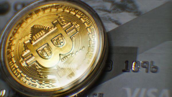 Криптовалюта биткоин. Архивное фото.