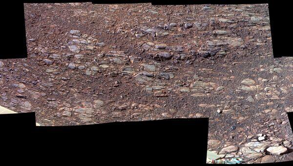 Одна из первых панорамных фотографий, полученных марсоходом Opportunity после восьмой зимовки