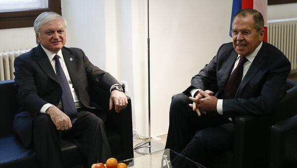 Министр иностранных дел России Сергей Лавров провел встречу с министром иностранных дел Армении Эдвардом Налбандяном, Вена. 8 декабря 2017