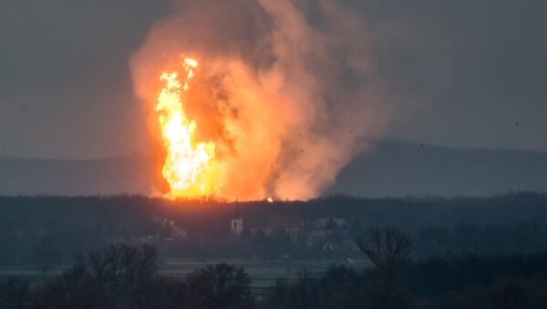 Пожар на месте взрыва газа в Баумгартене, Австрия