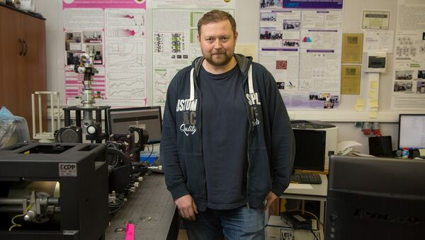 Константин Мотовилов в лаборатории терагерцевой спектроскопии МФТИ