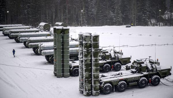 ЗРС С-400. Архивное фото
