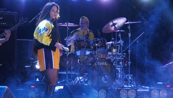 Юрий Кононов и Бьянка выступили с концертом в Луганске