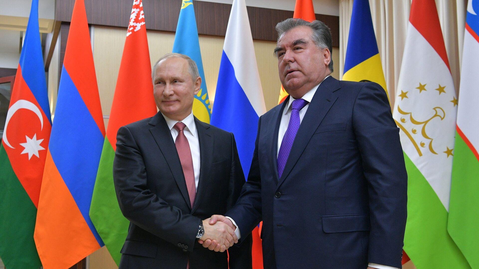 Путин поздравил Рахмона с победой на президентских выборах в Таджикистане -  РИА Новости, 12.10.2020