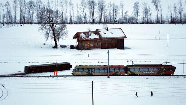 Ураган в Швейцарии, поезд, опрокинувшийся из-за сильного ветра
