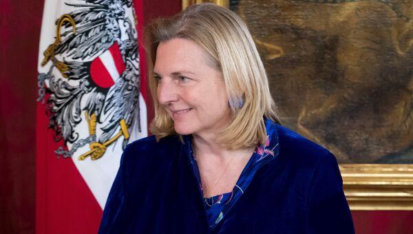 Глава МИД Австрии Карин Кнайссль. Архивное фото