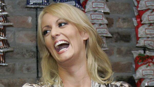 Бывшая порноактриса Стефани Клиффорд (Сторми Дэниэлс). Архивное фото