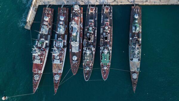 Корабли, которые ранее входили в состав военно-морских сил Украины, в бухте Севастополя