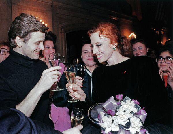 Михаил Барышников и Майя Плисецкая на приеме, устроенном в ее честь, в Бостоне, 1988 год.