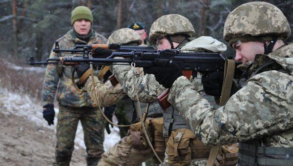 Обучение украинских военнослужащих. Архивное фото.