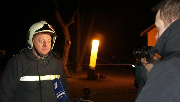 Начальник главного управления МЧС России по Саратовской области Игорь Качев на месте аварии нефтепровода под Саратовом. 18 января 2018