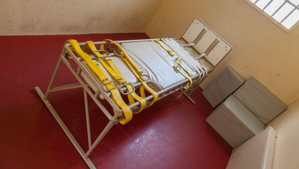 Кровать для усмирения пациентов психиатрической лечебницы. Архивное фото
