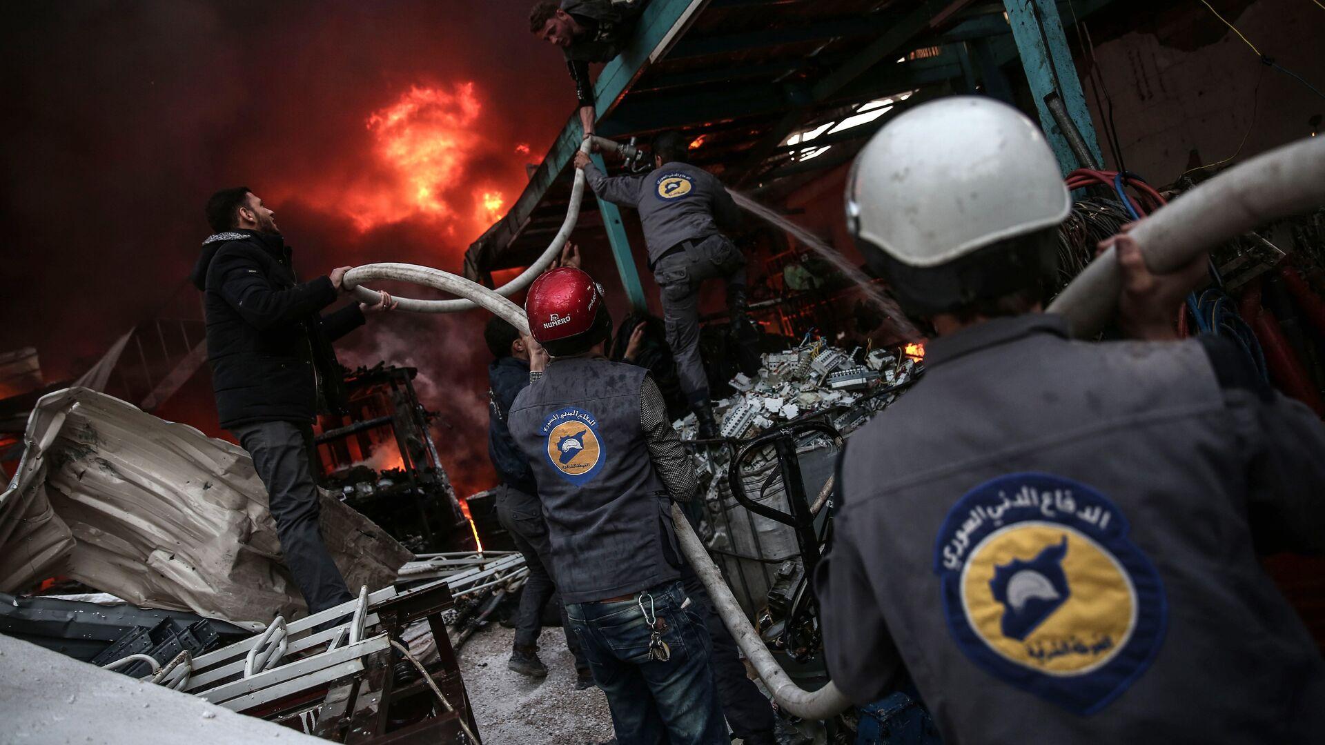 Активисты из организации Белые каски в Думе, Сирия. 17 ноября 2016 год - РИА Новости, 1920, 26.01.2018