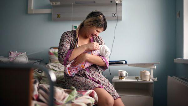 Врач-гинеколог: сейчас и в 25 лет могут спросить, зачем так рано рожаешь