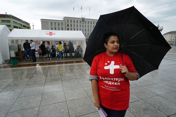 Волонтеры помогают организаторам различных акций