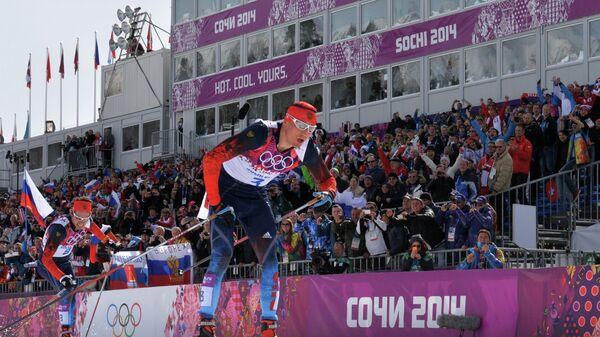 Александр Легков (справа)