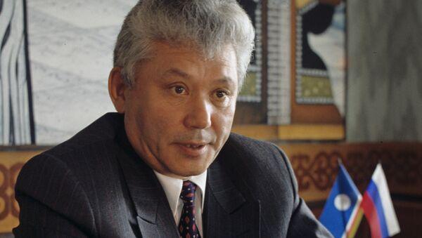 Первый Президент Республики Саха Михаил Ефимович Николаев. Архивное фото