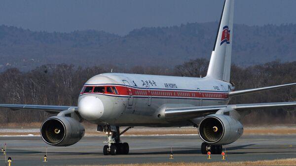 Самолет северокорейской авиакомпании Air Koryo в аэропорту Владивостока