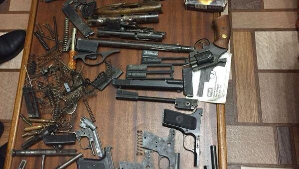 Изъятые сотрудниками полициии у жителя Нижневартовска (ХМАО) оружие и боеприпасы