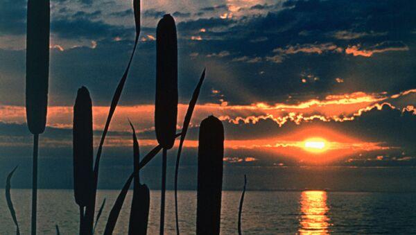 Закат на озере Селигер