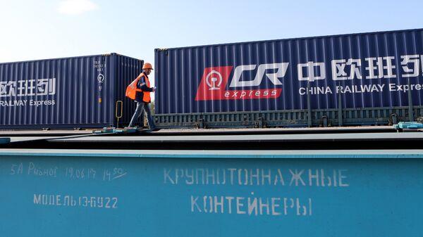 Первый комбинированный контейнерный поезд проехал транзитом через Калининградскую область из Европы в Китай