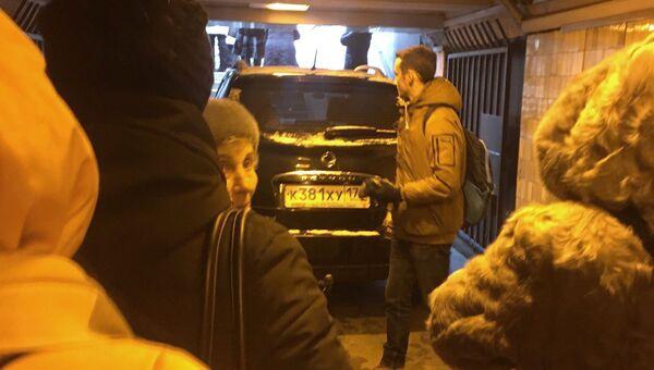 В Санкт-Петербурге автомобиль въехал в подземный переход у станции метро Московская. 21 февраля 2018