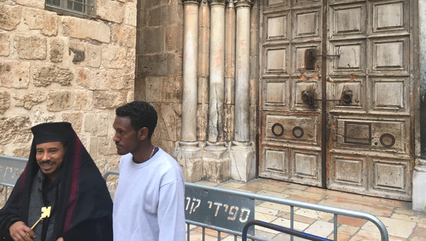 Закрытый Храм гроба Господня в Иерусалиме в знак протеста против муниципального налога. 25 февраля 2018
