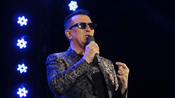 Денис Майданов и Александр Буйнов на концерте в Луганске 25.02.2018 г.