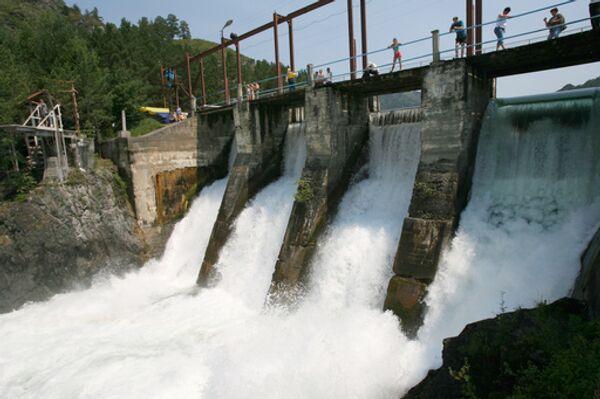 Власти РФ пока не отказываются от проекта Эвенкийской ГЭС