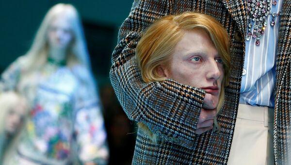 Показ коллекции Gucci во время Недели моды в Милане. 21 февраля 2018 год