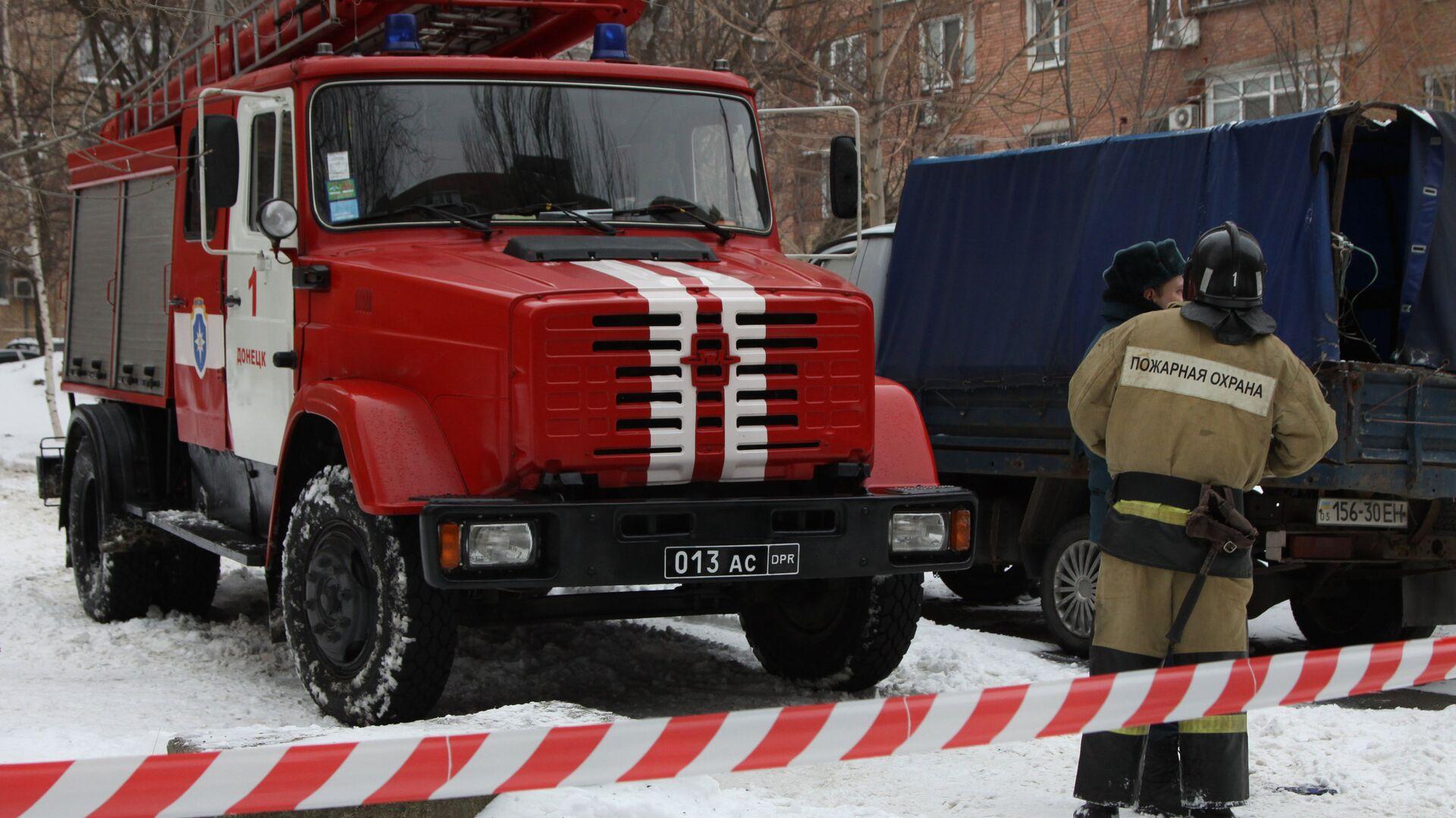 Сотрудники пожарной охраны в ДНР - РИА Новости, 1920, 06.01.2021