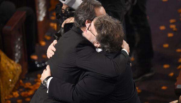 Гильермо дель Торо получает Оскар. 05.03.18