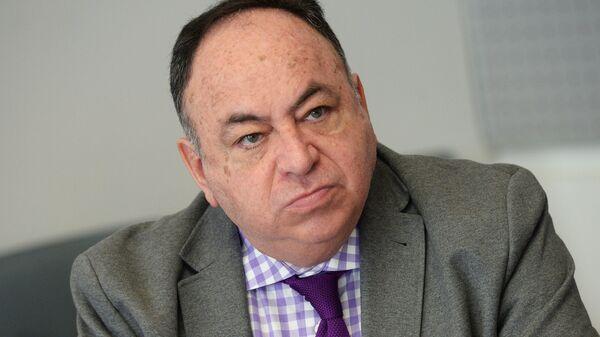 Посол Республики Эквадор в РФ Хулио Прадо Эспиноса во время интервью. 6 марта 2018