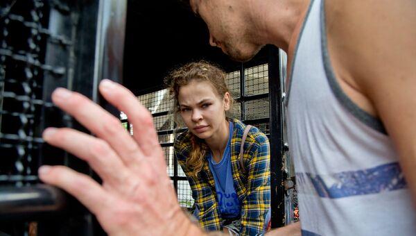 Анастасия Вашукевич и Александр Кириллов после задержания в Паттайе