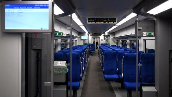 Вагон поезда Ласточка перед отправлением в первый рейс из Москвы в Иваново. 13 марта 2018