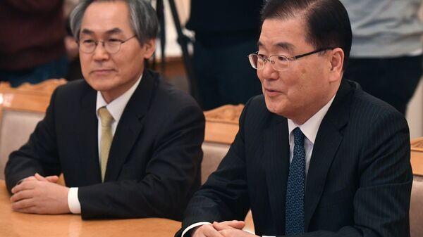 Встреча главы МИД РФ С. Лаврова с начальником Управления по безопасности при президенте Республики Корея Чон Ый Ёном