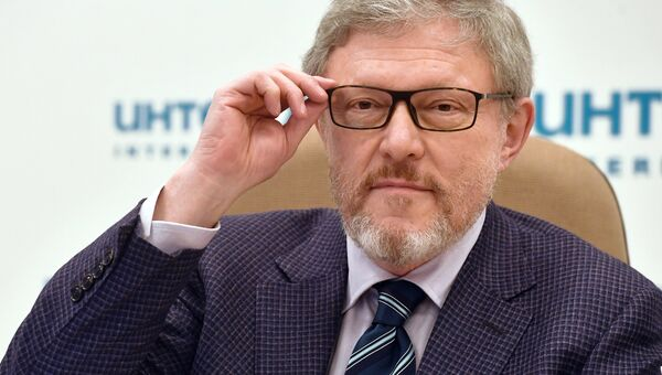 Кандидат в президенты РФ от партии Яблоко Григорий Явлинский на пресс-конференции в Москве. 14 марта 2018