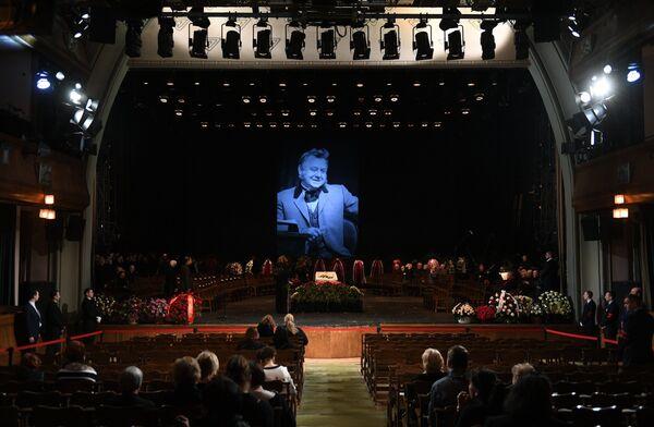 Церемония прощания с актером Олегом Табаковым в здании Московского Художественного театра имени А.П.Чехова в Камергерском переулке в Москве. 15 марта 2018